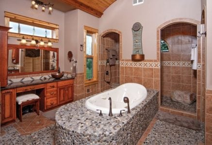 battle-creek-master-bath.jpg -