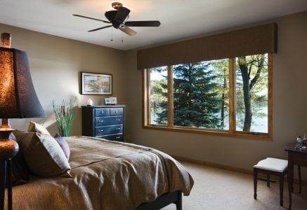 blind-lake-bedroom.jpg -