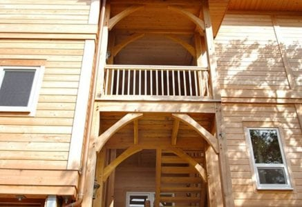 dewees-island-timber-frame-home-entry.jpg -