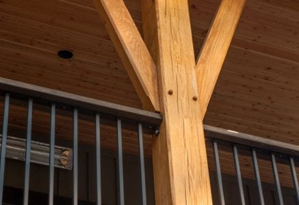 fernie-timber-frame-post.jpg -