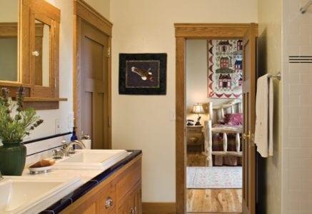 grand-junction-bathroom.jpg -