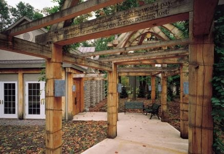 musik-timber-frame-entrance.jpg -