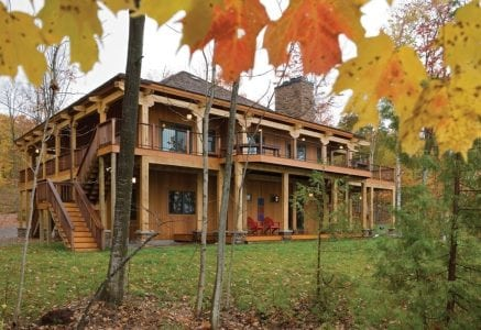 petoskey-timber-frame-home-rear.jpg -