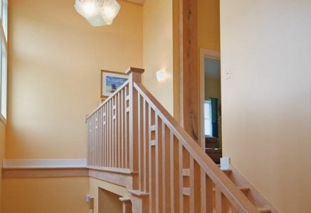 washtenaw-timber-frame-stairs.jpg -