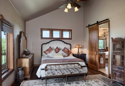 oklahoma-city-bedroom - timber frame master suite