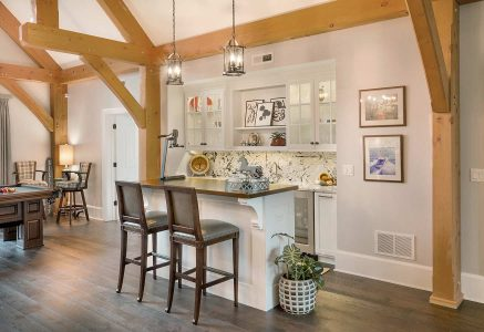 Marysville-bar - timber frame bar area