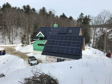 Maine home using solar energy