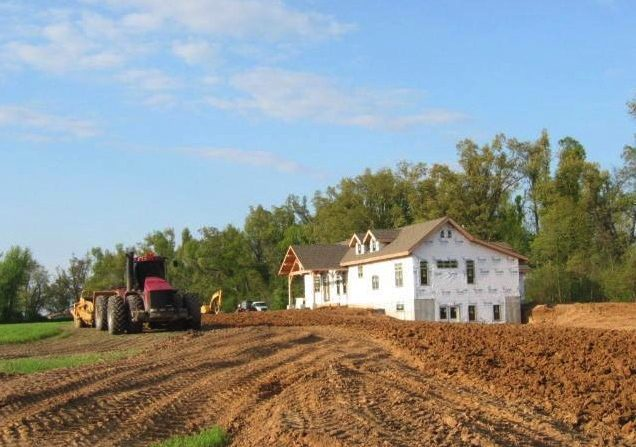 kentucky timber frame home in construction